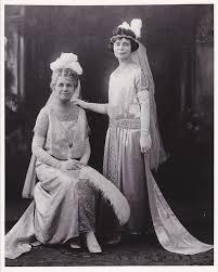 Linnie Irwin Sweeney, left, and Elsie Irwin Sweeney in 1923.